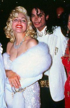 Naked Madonna 'put Michael Jackson off sex with women for life' Michael Jackson Memes, Michael Jackson Photoshoot, Michael Jackson Smile, Lisa Marie Presley, Mtv, Estilo Marilyn Monroe, Madonna Photos, Madonna 90s, Paris Jackson