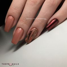 One color to rule them all #manicure #unicolor