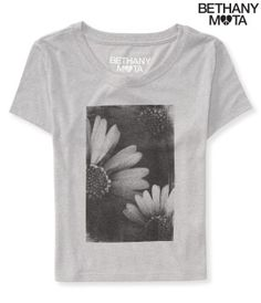 Daisy Crop Graphic Tee from Aeropostale