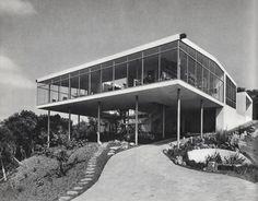 Fotógrafos perpetuando visões da arquitetura [Parte 1],Casa de Vidro. Lina Bo Bardi. Image © Chico Albuquerque