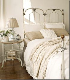 White decor - Bedroom.