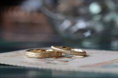 ゴールドのつや消しリング 男性と女性、それぞれのテクスチャを施してお作りしました。 [結婚指輪、オーダーメイド,marriage,wedding,bridal,ring,Gold,K18,ith]