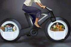 「CYCLOTRON BIKE」は、スポークもハブもない自転車。映画『トロン:レガシー』の「ライトサイクル」のようなルックスと、家庭的な機能をあわせ持っている。