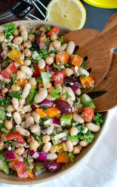 Mediterranean Bean Salad packs chickpeas white beans your favorite Mediterranean vegetables and feta cheese into one healthy salad and is topped with a light lemony dressing. This works perfectly as a side dish to a meal or even as lunch with pita bread Mediterranean Diet Recipes, Mediterranean Dishes, Mediterranean Salad Dressing, Mediterranean Appetizers, Mediterranean Breakfast, Clean Eating, Healthy Eating, Healthy Salad Recipes, Healthy Dishes