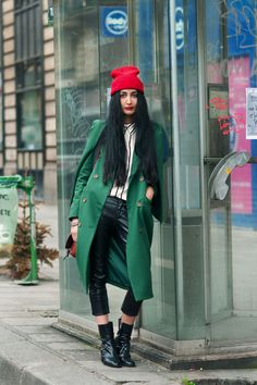 As show-goers touch down in London this week, the city's best dressed women will be out in force. We'll be looking out for model Portia Freeman and bloggers of the moment Nadia Sawar and Rosalind Jana – one a Midlands girl with East End edge, the other an English rose from the country.  http://fashionfix.net-a-porter.com/fashion/london-fashion-week-watch