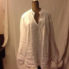 Ralph Lauren Linen White Tunic Top Ralph Lauren white linen tunic with beautiful embroidered detail on front! Classic tunic Perfect for the summer! Ralph Lauren Tops Tunics
