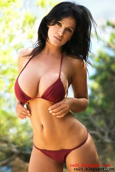 Share: Denise Milani Burgundi Bikini 3