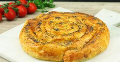 Savory ham and cheese pastry spiral. What's hidden inside this curvy puff pastry spiral is unendingly juicy and tasty. It will all be gobbled up in one piece! Breakfast And Brunch, Quiches, Cheese Pastry, Phyllo Dough, Sandwiches For Lunch, Snacks Für Party, Cheat Meal, Ham And Cheese, How To Cook Pasta