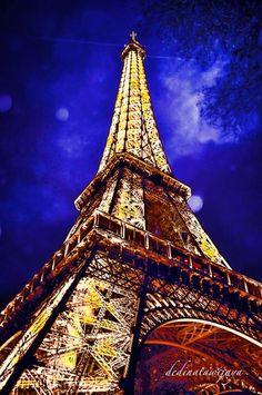 Menara Eiffel  By Dedi Natawijaya