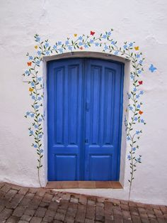 Sun, sand, seafood and Spain Garden Mural, Unique Doors, Mural Wall Art, Painted Doors, Painted Stairs, Painted Walls, Home Decor Inspiration, Home Interior Design, Sweet Home