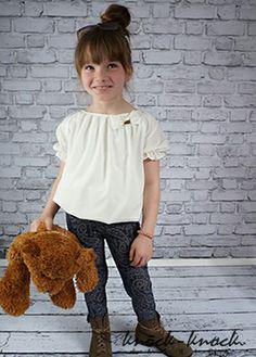 bluzka z krótkim rękawem, dziewczęcy fason w stylu bombki  kolor: kremowy. Do kupienia na: mail: knocknock.fashion@gmail.com fb: https://www.facebook.com/pages/knock-knock-fashion/230430617163127?ref=hl instagram: http://instagram.com/knock_knockfashion#