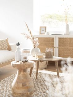 Discover the Slow Life trend at Maisons du Monde and stock up on ideas for your home. Boho Living Room, Home And Living, Living Room Decor, Fresh Living Room, Coastal Living Rooms, Home Deco, Home Interior Design, Interior Decorating, Boho Chic Interior