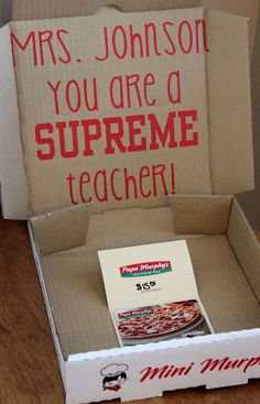 Teacher appreciation Pizza gift, made using your Silhouette to cut the Vinyl - love this idea!