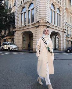 ehrin beyazlar na kar p kaybolmadan 5 dk nce Kaban hulyaince Casual Hijab Outfit, Hijab Chic, Casual Fall Outfits, Street Hijab Fashion, Muslim Fashion, Modest Fashion, Curvy Fashion, Indian Fashion, Hijab Fashionista
