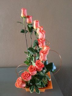 Roses Floral Designs, Ikebana, Flower Arrangements, Floral Wreath, Fancy, Wreaths, Flowers, Home Decor, Floral Arrangements