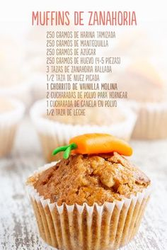 These muffins are a delicious way to eat carrots! First, we put … - Cupcakes Köstliche Desserts, Healthy Desserts, Delicious Desserts, Dessert Recipes, Yummy Food, Tasty, Cupcake Cakes, Food Cakes, Deli Food