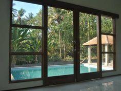 http://www.familyhotelsbali.com/lovina-villa-cinta.html