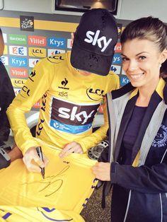 Le Tour de France @letour RT pour gagner ce #MaillotJauneLCL / RT to win this @MaillotjauneLCL ! @lecoqsportif pic.twitter.com/EfoSh24lTZ