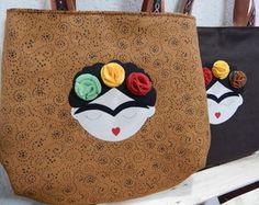 Doll Patterns, Diy And Crafts, Pin Up, Foods, Sewing, Cute, Diy Wallet, Tote Bag, Frida Khalo