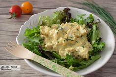 Receta de ensalada cremosa de pollo al curry con sala de yogur. Con fotos del paso a paso, consejos y sugerencias de degustación. Receta saludable...