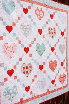 Stricken Hearts and Kisses Vintage Keepsakes Quilt Pattern, Heart Quilt Pattern, Baby Quilt Patterns, Quilt Baby, Vintage Quilts Patterns, Holiday Quilt Patterns, Fox Quilt, Quilting Patterns, Canvas Patterns, Patchwork Quilting
