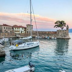 Nafpaktos, Greece #nafpaktos #greece Santorini Villas, Myconos, Greece Islands, Acropolis, Ancient Greece, Greece Travel, Day Trip, Beautiful Places, Castle