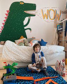 """Alessandra 👩👦🌈🌳 su Instagram: """"📷 Quando scopri come funziona il telecomando della macchina fotografica di tua madre 📷 . . . ENG - When you find out how your mom's camera…"""" Kids Rooms, Kids Bedroom, Nursery Design, Baby Kids, Toddler Bed, Babies, Furniture, Instagram, Home Decor"""