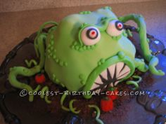Coolest Halloween Monster Cake... This website is the Pinterest of birthday cake ideas