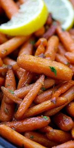 Brown Sugar Roasted Carrots – the sweetest, most tender and buttery roasted carrots recipe ever! Five ingredients and 10 mins active time | rasamalaysia.com