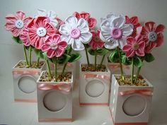 Vasinho de flor de Fuxico - Lembrancinha
