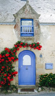http://credito.digimkts.com Dejar de sentirse frustrado por el mal crédito. Nuestra gente está dispuesta a ayudar a la actualidad. (844) 897-3018 Guérande, Loire, France---Love That Wonderful Age Worn Siding on Houses in the French Countryside!
