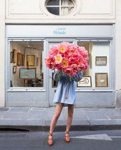 In Bloom - a huge bouquet of Peonies. Photographed in St Germain dès Pres Paris for the series Young Girl in Bloom limited edition prints Flower Power, My Flower, Breakfast At Tiffany's, Paris Mode, Ikebana, Dahlia, Peony, Planting Flowers, Floral Arrangements