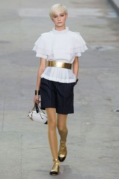 View the Chanel Spring 2015 RTW collection. See photos and video of the S2015RTW runway show. Chanel