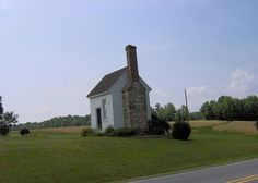 This little building was a rest stop for stagecoach travelers on the Richmond to Raleigh road in Franklin County NC. Built in the late 1700's or early 1800's.