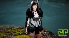 The first alpha of Black Desert Online's NA and EU version will start on October 26 and end on November 1. Which class will be your first choice in Black Desert Online? I will choose ranger class not only because it has always been my favorite class in MMO games, but also her breathtaking costumes. A Korean gamer posted a series of Ranger Class costumes at Korean Black Desert Online official site. Let's take a look.By the way, 2P's alpha key giveaway event is live now. Please don