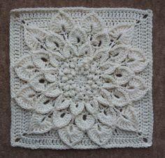 Ravelry: El patrón del cocodrilo de la flor por Joyce Lewis