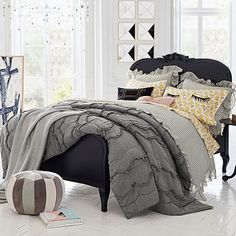 Teen girl bedrooms A step by step guide in styling for a fabulous and cozy teen girl bedrooms decorating ideas canopy Teen girl room examples posted on 20181121 Bedroom Design For Teen Girls, Cool Girl Bedrooms, Teen Girl Rooms, Girls Bedroom, Bedroom Decor, Bedroom Ideas, Dream Bedroom, Lilac Bedding, Teen Bedding