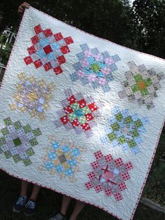 Beautiful Great Granny Quilt by Lori of Bee In My Bonnet blog