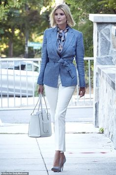 Sidewalk style star: Ivanka Trump stepped out in a chic ensemble on Monday morning Ivanka Trump Outfits, Ivanka Trump Style, Star Fashion, Look Fashion, Fashion Outfits, Fashion Spring, Dress Fashion, Paris Fashion, Cute Fall Outfits