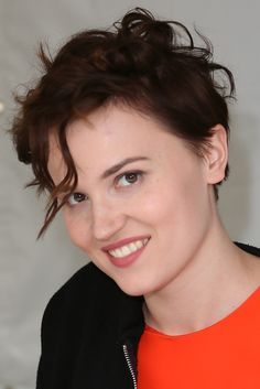 'Divergent' Author Veronica Roth To Write New Two-Book Series