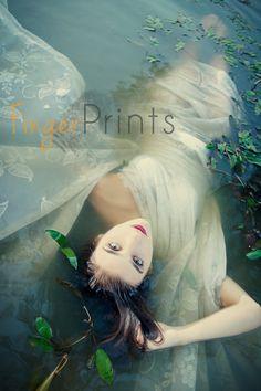 Creative Lake Photo Shoot  www.fingerprintsphoto.com