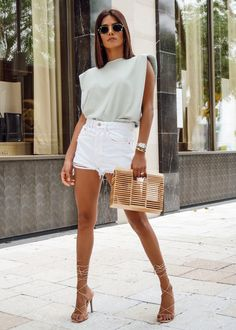 Casual Brunch Outfit, Summer Brunch Outfit, Summer Date Night Outfit, Classy Outfits, Chic Outfits, Classy Going Out Outfits, Girl Outfits, Spring Summer Fashion, Spring Outfits