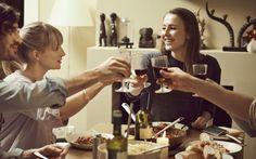 Stringere nuovi legami da adulti non è facile come ai tempi del liceo o dell'università, ma comunque non impossibile. Ecco i sette consigli