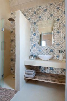 Bathroom mirror: tips for choosing the ideal model - Home Fashion Trend Bathroom Tile Designs, Bathroom Interior Design, Bad Inspiration, Bathroom Inspiration, Model Homes, Interiores Design, Interior Architecture, House Design, Decoration