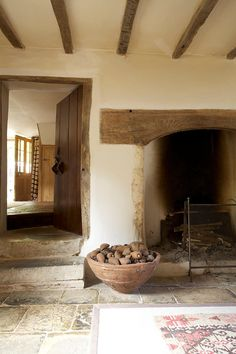Spanish style homes Cottage Interiors, Rustic Interiors, Interior And Exterior, Interior Design, Spanish Style Homes, Cottage Style, Sweet Home, New Homes, House Design