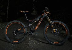 While it is true that an accomplished rider aboard a good all-mountain trailbike could replicate the handling and performance qualities of the Genius LT 700 Plus, it is equally true that adding plus-sized wheels and tires to that same trailbike would make it more enjoyable to ride, and in many cases, more capable for taking on the kind of trails that fill most rider's bucket lists.