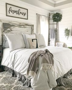 bedroom ideas for small rooms women cozy blue Farmhouse bedroom, white plank wa .bedroom ideas for small rooms women cozy blue Farmhouse bedroom, white plank walls.New trend and such beautiful living ideas! Modern Farmhouse Bedroom, Modern Bedroom, Rustic Farmhouse, White Rustic Bedroom, Country Bedrooms, Farmhouse Ideas, Farmhouse Design, Rustic Bedrooms, Farmhouse Style Bedding
