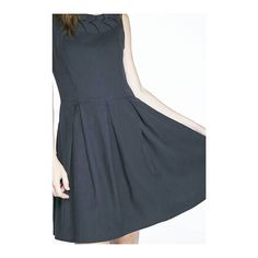 Un básico del closet femenino\\  Vestido Karla en negro lo puedes encontrar en @sindicatoindumentaria y a través de la página online de @nashionit  #karenbittencourt #KB #karenbittencourt #diseñochileno #diseñodeautor #diseñolocal #hechoenchile #hechoamano #modachile #modaetica #modaetica #diseño #vestuario #fashiondesigner #fashiondesign #madeinchile #chileandesigner #fashion #instafashion #slowfashion #ecofashion #collection #fashiondesign #clothing #sustainablefashion #sustainable…