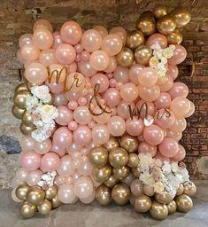 Such a pretty balloon wall for a wedding 🎩💍 by Wedding Balloon Decorations, Wedding Balloons, Birthday Balloons, Birthday Party Decorations, Xmas Party, Balloon Backdrop, Balloon Wall, Balloon Garland, Balloon Ideas