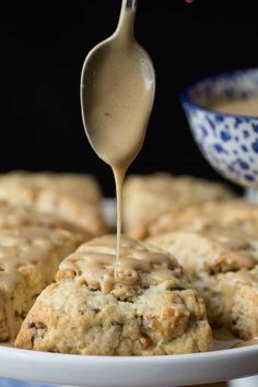 Ridiculously Easy Maple Pecan Scones - A crazy-simple technique for incredibly delicious, pecan-studded, melt-in-your-mouth scones finished off with a drizzle of sweet, maple-infused glaze! scones finished off with a drizzle of sweet, maple-infused glaze. Breakfast Recipes, Dessert Recipes, Scone Recipes, Breakfast Pastries, Brunch Recipes, Delicious Desserts, Overnight Oats, Maple Pecan, Maple Glaze